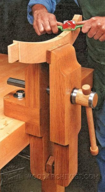 DIY Pipe Clamp Vise • WoodArchivist