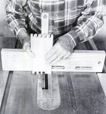 2982-Table Saw Box Joint Jig Plans