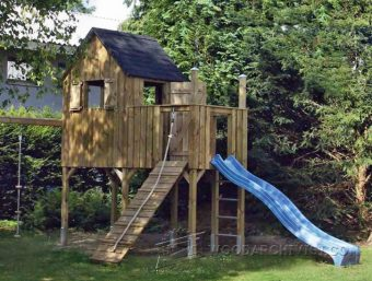 3929-DIY Backyard Playhouse